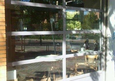 Escaparates y cierres enrollables para locales comerciales