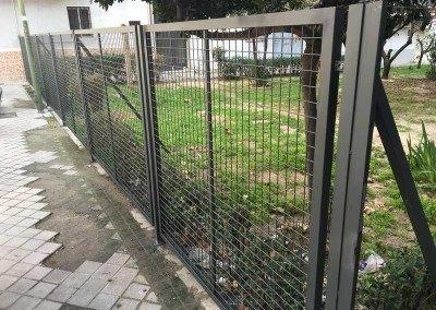 Cerramiento de hierro lacado para comunidad en vallecas.
