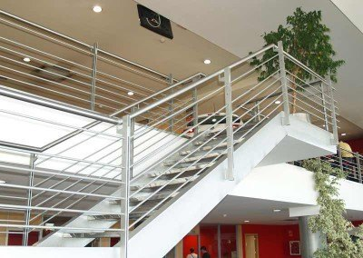 Escaleras metálicas, estructuras y entreplantas